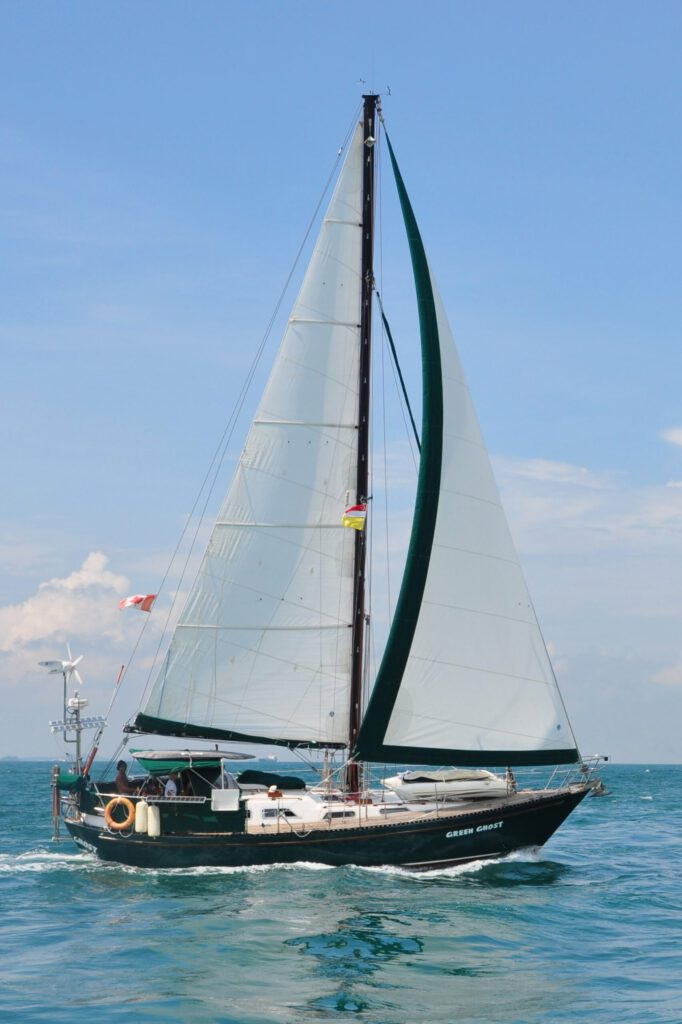 The boat – Green Ghost under full sail